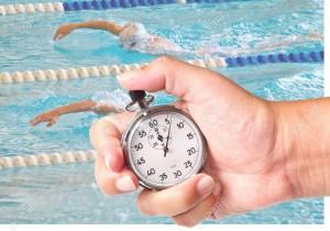 10004275-pr-s-d-un-chronom-tre-pour-mesurer-les-performances-de-natation-Banque-d'images